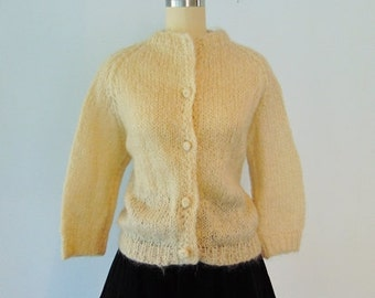 60s hand knit chunky MOHAIR sweater cardigan size medium