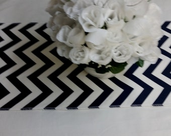 Wholesale lot of 12 zigzag Wedding party table runners,  BLACK AND WHITE, decorations, chevron zig zag cotton  fabric,