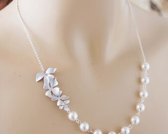 Flower charm with Swarovski Pearls Bridal Necklace Bridal Jewelry Bridesmaid Jewelry Bridesmaid Gifts Garden Weddings Christmas gift for her
