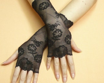 Simple Black gothic Lace Gloves, Fingerless Gloves, Retro Steampunk Mittens, Baroque, Cute Arm warmers in Gypsy and Boho Style, Armstulpen