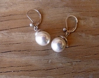 Sterling Silver Earrings with Synthetic Pearls RF766