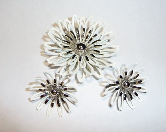 Vintage 1960s White Petals Pin Brooch Pendant and Clip Earrtings Set on Etsy