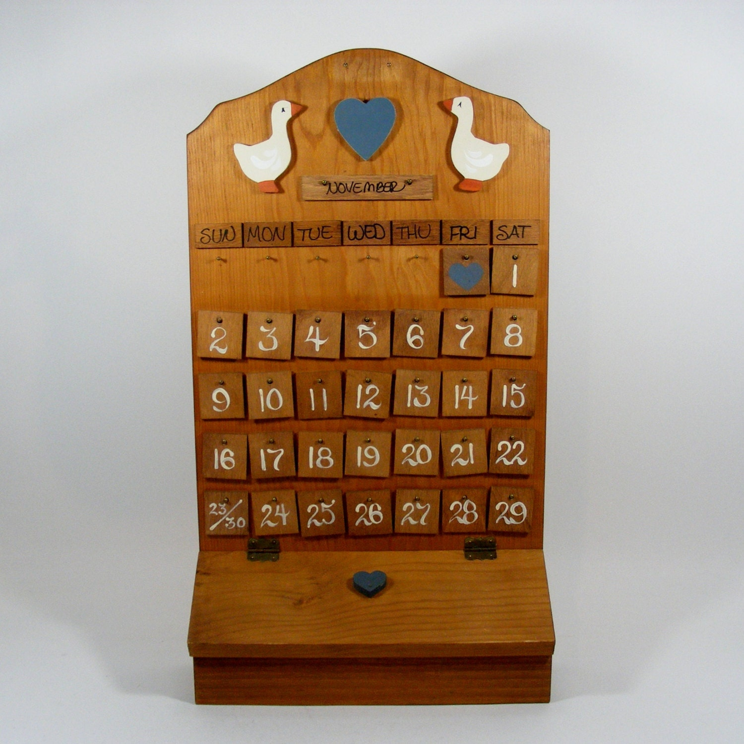 Wooden perpetual calendar with country styling - Wooden perpetual wall calendar ...