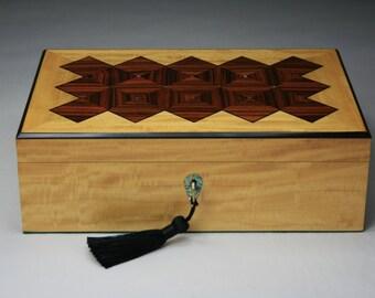 Kineo (Motion) Rosewood/Primavera Jewelry Box