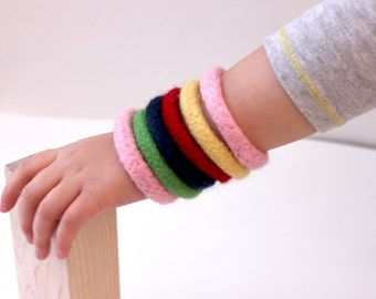 6 Montessori Toy Bangles, Kids Toys, Non Candy Gift, Waldorf Toy Wool, Colorful Kid Jewelry, Soft Childrens Toy, Easter Gift, Kids Gift