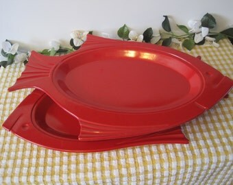 Two Large Vintage Fish Thermo-Plate Platters by Service Ideas Inc.