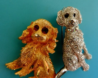 Adorable couple figure dogs brooches -sparkling rhinestones  puppy & exquisite golden - 2 collectibles pins 50s Italian -- Art.599/3 --