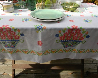 Vintage Easter Floral Tablecloth Farmhouse Chic Rustic Wedding tablesetting Decor Table Linens