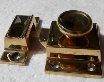 solid cast brass cupboard latch and catch not the light weight tinney ones new destash