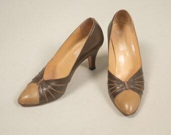 SALE • 1950s two tone heels • vintage 50s shoes • leather pumps • size 6.5