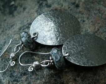 Elegant Ovals II -:- Sterling silver textured earrings, oval discs, black lace glass beads. Modern.Chic,