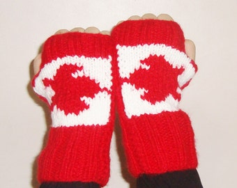 Flag mens gloves with Canadian flag fingerless gloves hand knit fingerless gloves mens gift fathers day beer