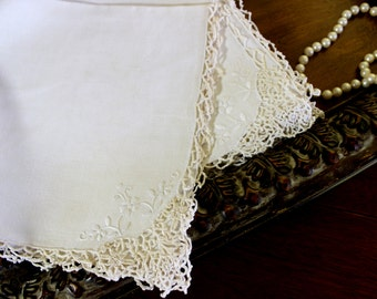 5 Large Linen Napkins - Light Ecru Dinner Serviettes - Embroidered Corner 11902