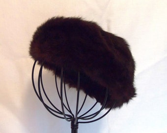 SALE 1950s Vintage Ladies Genuine Rabbit Fur Hat in Rich Dark Chocolate Brown Almost Black in Color.
