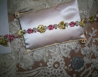 1 foot of this beautiful ribbon work in silk garland with metal