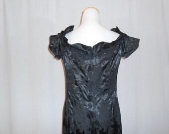 Long Black Dress Womens Vintage Dresses Off The Shoulder Dress Black Dress Black Evening Dress Long Evening Dress Womens Vintage Clothing