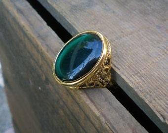 vintage brass ring / resin ring / statement ring / GREEN RESIN RING