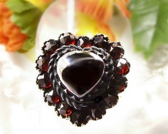 FOR PAT > Vintage garnet heart cabouchon ring in Victorian style #PK