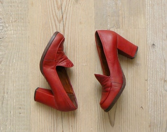 Vintage platform heels. 1960s platforms. red platform loafers us 5