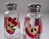 Salt and Pepper Shakers-painted salt and pepper shakers-Painted red Apples