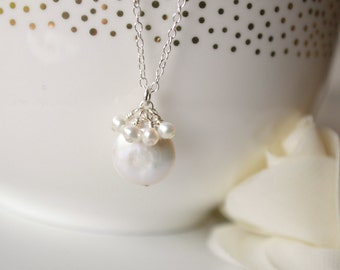 White Coin Pearl & Chain Necklace