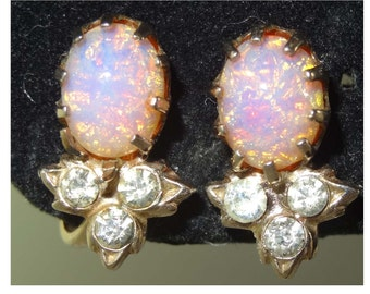 Faux Opal and Clear Rhinestone Screw Back Earrings Apparel & Accessories Jewelry Vintage Jewelry Earrings Screwback Earrings Rhinestone