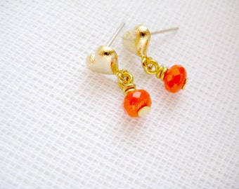 Small gold plated heart stud earrings with glass bead - Doki Doki in Red