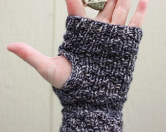 Knitting Pattern / Mitts Fingerless Mittens / Diamants Diamond Texture / PDF Digital Delivery