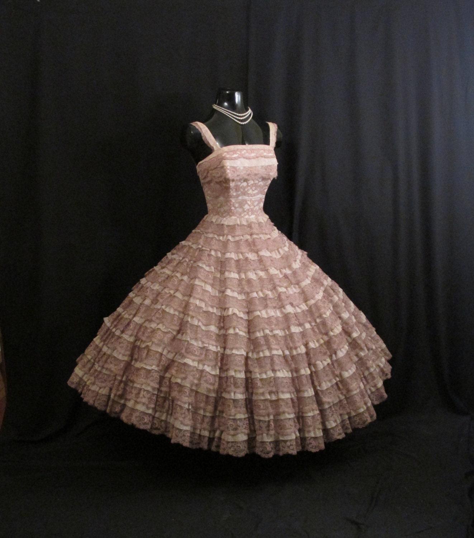 Vintage 1950's 50s Bombshell Mocha Dusty Rose Lace Tulle