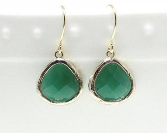 Jade earrings. Jade green glass gold earrings. Tear drop earring. Green bridesmaid jewelry. Wedding jewelry. Bridesmaid earrings. Dangle