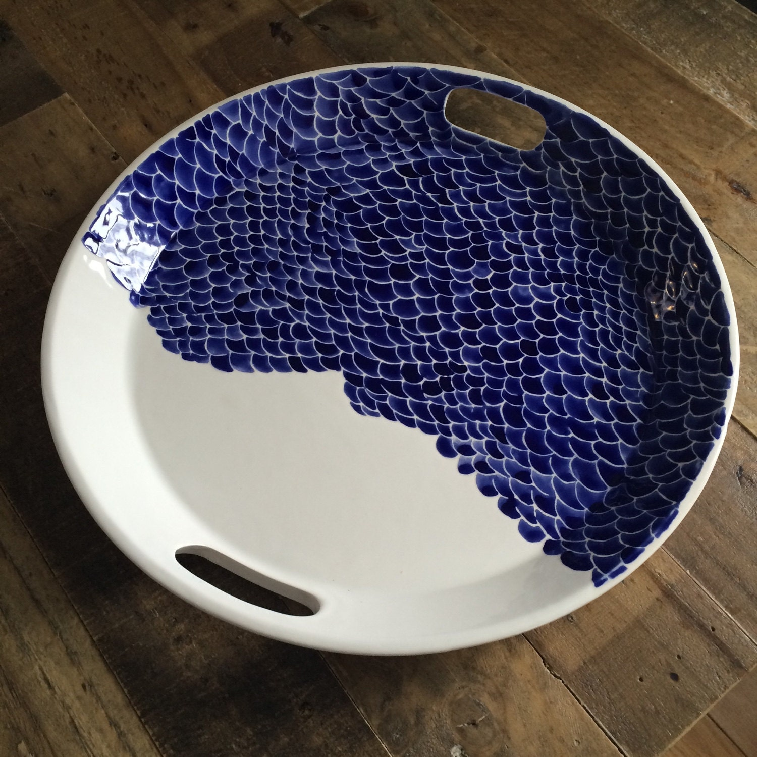 Blue fish scale round ceramic serving tray with handles blue for Get fish scale