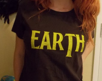 Earth Hand Screened  T Shirt size Small * free shipping in U.S.A.