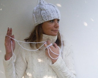 Fall Knit Woman Hat beanies White Gold women hat  Winter hat for women Italian style Fall winter fashion women Women gift high fashion