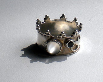 OFF THE BENCH . game of thrones . medieval style crown & thistle . moonstone . sapphire . size 6 . limited edition . last one