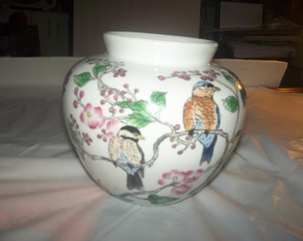 Vintage planter bowel from 1950's in good condition , with/ pink flowers and greenery.