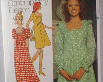 1970's Women's Sewing Pattern - Dress and Maxi Dress With Front Tucks - Simplicity 5012 - Size 10, Bust 32 1/2
