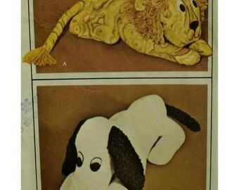 Stuffed Lion Pattern, Long Eared Snoopy Dog, Vintage 1960s, Craft, McCalls No. 2183 UNCUT