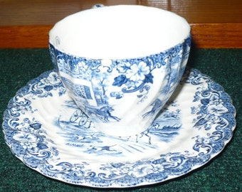 Johnson Bros. - Tea Cup & Saucer -  Coaching Scenes - Hunting Country -  Made In England - Ironstone - See Description