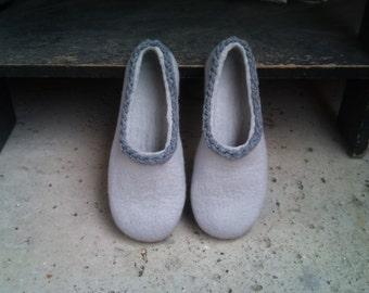 Felted slippers for woman - wool slippers - made to order - eco friendly - Valentine's day gift, Easter gift