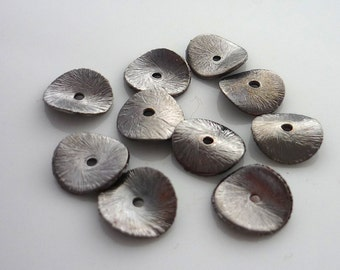 Ruthenium plated brushed copper wavy disc beads 10mm set of 10