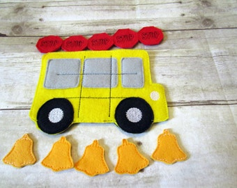 Tic Tac Toe Game, School Bus Tic Tac Toe Game, Kids Game, Handcrafted Game, Felt Game, Party Favor, Birthday Gift, Holiday Gift, Travel Game