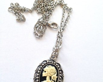 Small Lady lolita skeleton cameo necklace