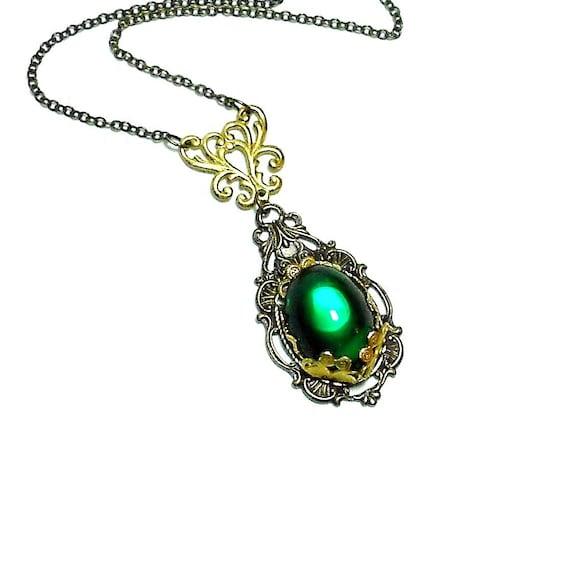 Emerald Necklace - Art Nouveau Necklace - Vintage Glass Jewel Necklace - Romantic Necklace