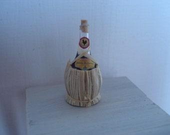 Miniature 1:12 scale Chianti fiasco bottle