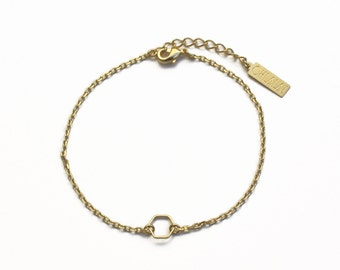 "ELEMENTS - Gold plated simple hexagon bracelet ""Alveole"" (ENBR03)"