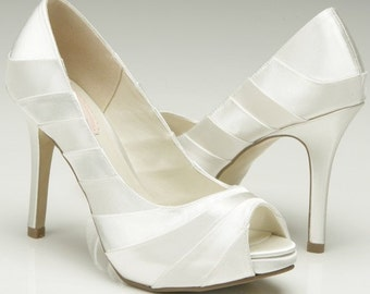 "Weddings, Wedding Shoes, 3.75"" High Heel Peep Toe Shoes, womens dress shoes, bridal shoes, bridal accessories, dyeable"