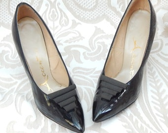 Absolutely AMAZING --1950s Heels By ACCENT --Size 7 But fit like a 6--Patent LEATHER Heels--Curvy Heels-Mint Condition