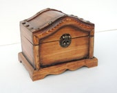 Chest style watch box in a rustic stained finish hlods 2 men's watches. Wood box with wood divider.