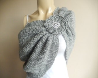 Gray Bridal Capelet / Wedding Wrap Shrug Bolero/Hand Knit  Shawl/ Scarf with Pin