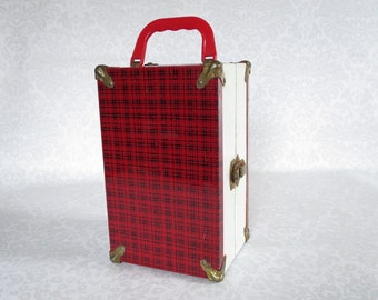 Vintage Red Plaid Train Case  /  1950s Tartan Make Up Case or Doll Case  /  Red Plaid Small Luggage